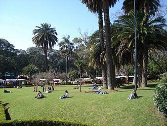 Avenida Pueyrredón - Plaza Intendente Alvear