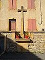 Bully (Rhône) - Croix place du Trèves (juil 2018).jpg