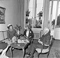 Bundesarchiv B 145 Bild-F022304-0004, Nancy Parkinson, Wilhelmine und Heinrich Lübke.jpg