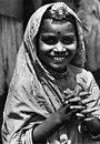 Bundesarchiv Bild 135-S-02-10-37, Tibetexpedition, Indisches Mädchen.jpg
