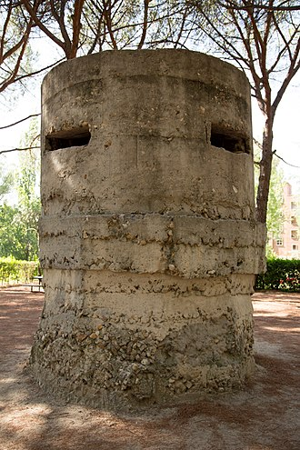 Parque del Oeste - Bunker from the Battle of Ciudad Universitaria still standing in 2016 in the northern end of the park