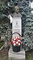 Busto de Nikolaj Kuznecov (Tjumeno).jpg