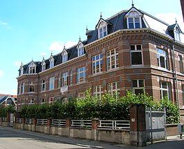 Centrum voor Levende Talen - Wikipedia: https://nl.wikipedia.org/wiki/CLT_(Leuven)
