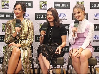 Melonie Diaz - Diaz with Charmed co-stars at the 2018 Comic-Con