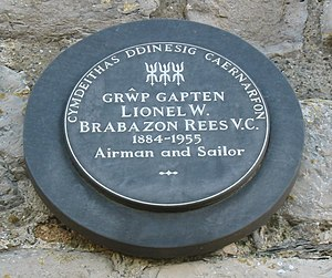 Lionel Rees - Plaque honouring Rees in Caernarfon