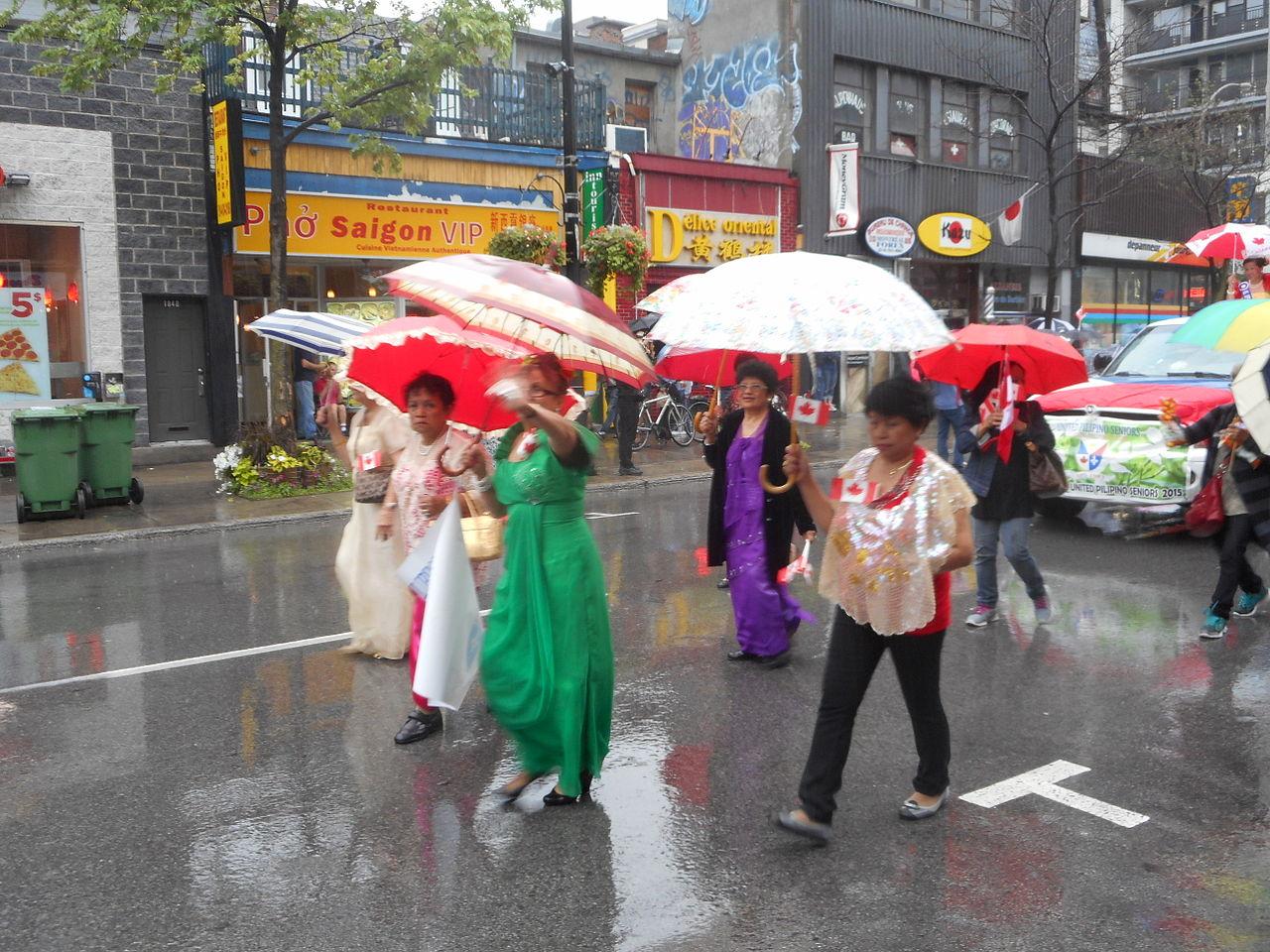 File:Canada Day 2015 on Saint Catherine Street - 271.jpg - Wikimedia