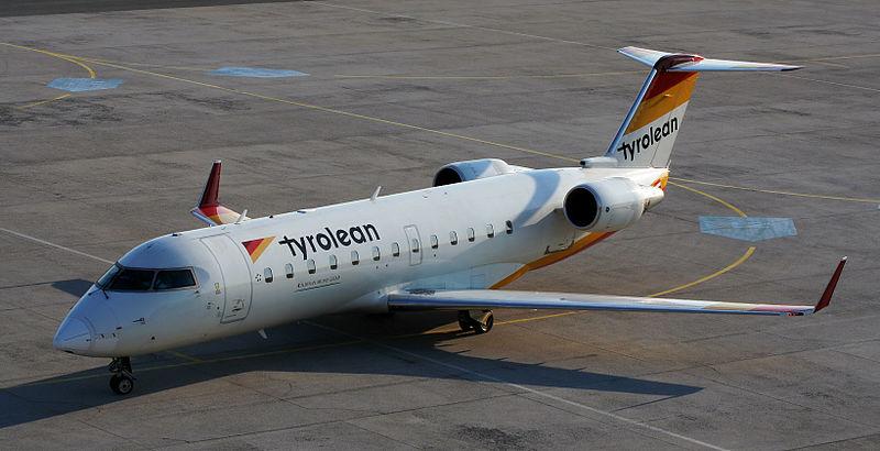 File:Canadair Regional Jet CRJ-200LR 2006 04 07.jpg