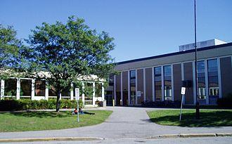 Canterbury High School (Ottawa) - Image: Canterbury High School