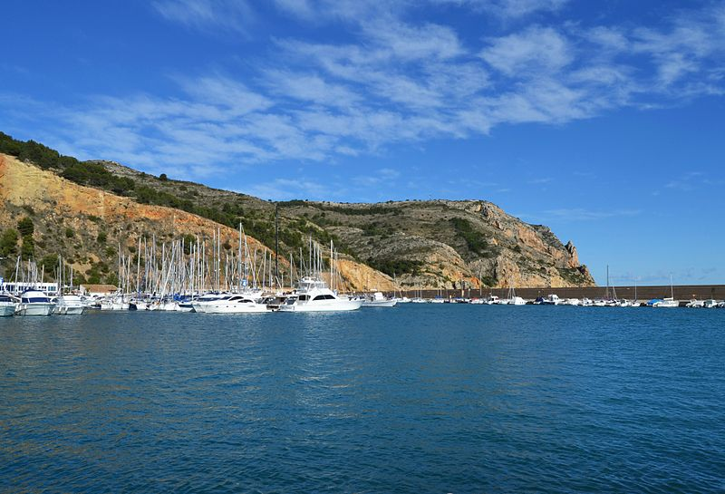 File:Cap de sant Antoni i port, Xàbia.JPG