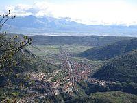 Capistrello dall'altopiano della Renga.jpg