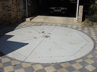 Car turntable - A car turntable in Sudbury, Suffolk UK. Designed and made by David Le Versha.
