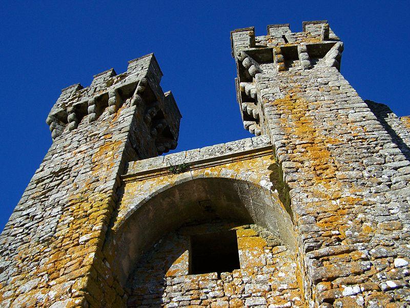 Imagem:Castelo de Penedono 1.jpg