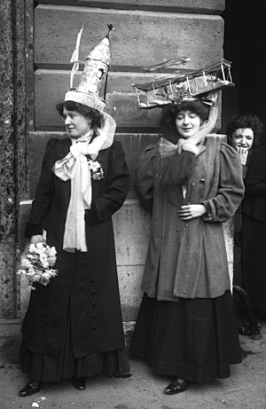Saint Catherine's Day - Two Catherinettes in Paris in 1909