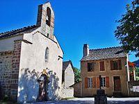 Chadenet - Eglise et Mairie.JPG