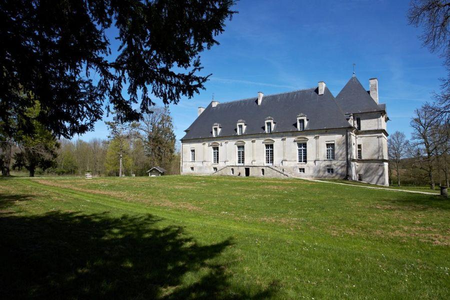Château de Nuits,  façade occidentale