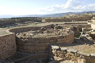 Chemtou - Numidic tombs under Roman forum