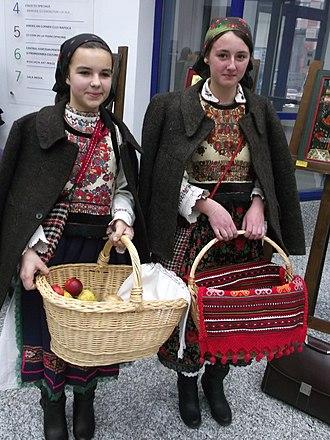 Romanian dress - Image: Chiuiesti,Cluj DSCF1172