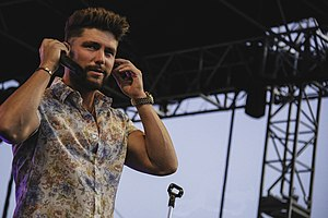 Chris Lane + Dylan Scott (27679220217) .jpg