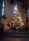 Christmas tree in St Johns East Dulwich, 2005.jpg