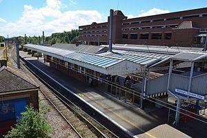 Welwyn Garden City railway station - Welwyn Garden City railway station Platform 1 viewed from the footbridge in May 2017