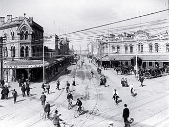 City Mall, Christchurch - Looking down High Street from its intersection with Colombo and Hereford Streets (ca 1910)