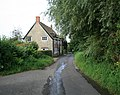 Cottage in Bowgrove Road - geograph.org.uk - 529356.jpg