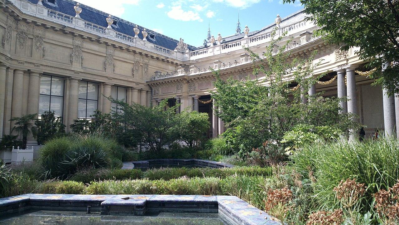 File cour int rieur et jardin du petit palais for Jardin cour