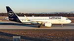 D-AIWC Lufthansa A320 FRA Memmingen (32185424997).jpg