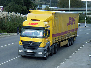 24 October 2006 Plymouth AY06EYR DHL MERCEDES ...