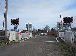 Dalchalm level crossing (13175697585).jpg