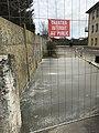 Dalle de béton coulée à l'EPHAD Les Mimosas (Saint-Maurice-de-Beynost, France).jpg
