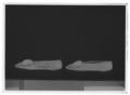 Damsko, pumps, (till högerfot) av svart sidenatlas - Livrustkammaren - 69502-negative.tif