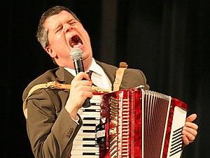 Daniel Handler singing and accompanying The Go...