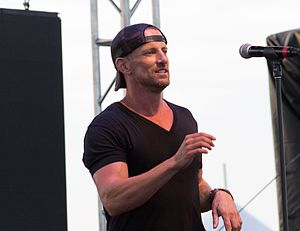 Daniel Powter - Powter performing at the Festival of Friends in 2013