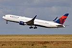 Delta Air Lines, N152DL, Boeing 767-3P6 ER (44361811985).jpg