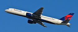Delta Air Lines - N757AT - Flickr - skinnylawyer.jpg