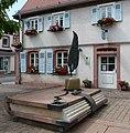 Der Buchbrunnen vor dem Kulturzentrum wurde im Rahmen der Städtebauförderung im Jahr 1998 errichtet. - panoramio.jpg