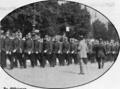 Deutsche Kriegszeitung (1914) 01 07 3, Zu Offizieren beförderte Lichterfelder Kadetten nach ihrer Meldung beim Kaiser.png