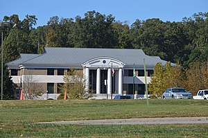 Dinwiddie, Virginia - Current courthouse, seen from U.S. Route 1