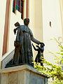 Don Bosco y los niños.jpg
