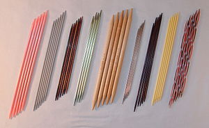 Knitting needle - Double-pointed knitting needles in various materials and sizes. They come in sets of four, five or six.