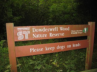 Dowdeswell Reservoir - Dowdeswell Woods entrance sign