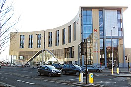 Dundee Railway Station and Sleeperz Hotel.jpg