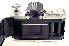 Edixa Reflex-B body back open.jpg