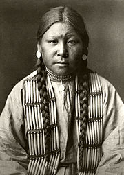 180px-Edward_S._Curtis_Collection_People_025.jpg