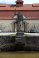 Eichenzell Eichenzell Schloss Fasanerie Fountain Statue Lanzentraeger E.png
