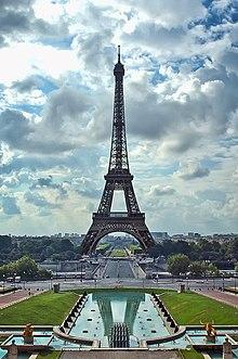 Ейфелева вежа в парижі — найбільш
