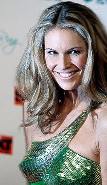 Elle Macpherson, Women's World Awards 2009 c.jpg