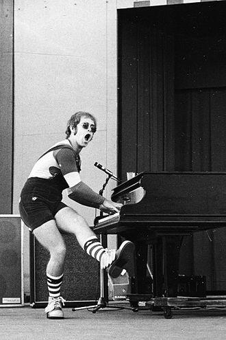 1971 in music - Elton John in 1971.