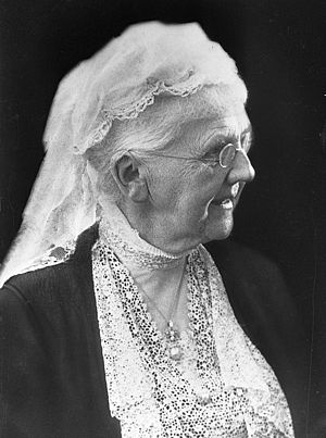 Emma of Waldeck and Pyrmont - Emma as queen mother